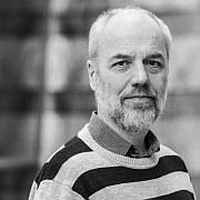 Alte Schönheit verbeult – Der Komponist Martin Smolka im Porträt von Rainer Nonnenmann