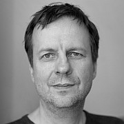 """Der Autor Bov Bjerg: """"Es ist mir wichtig, keine Phrasen stehenzulassen."""""""