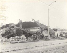 Cutremur 1977 langa Palatul Culturii 6