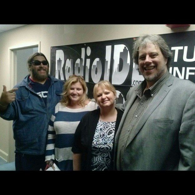 Nick Moss and Susan Cram with Melissia and Poppa Night! Tune in around 4:30pm to listen to our interview with Nick Moss!