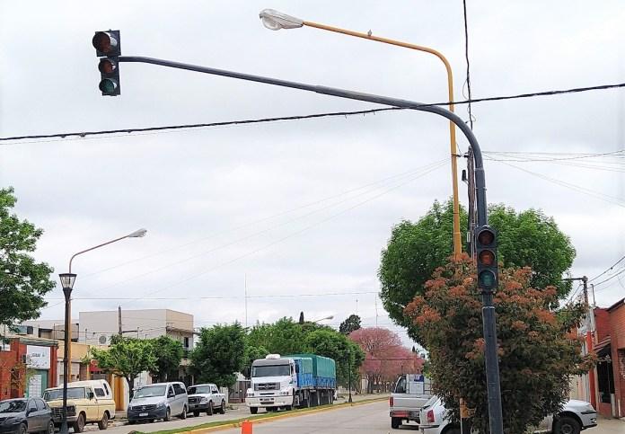 semaforo de Avenida Alfonsín y Mitre