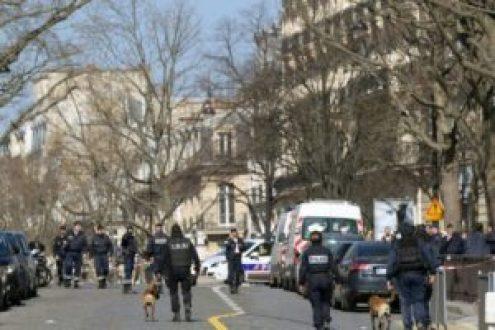 Una herida por la explosión de una carta bomba en la sede del FMI en París - b890e9f52a3183a97ecef8d6bdc99ce7cb6d613b-300x200
