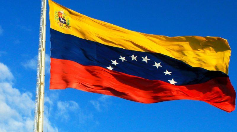Rentismo, luchas sociales y régimen político en Venezuela - Bandera-de-Venezuela-1-800x445