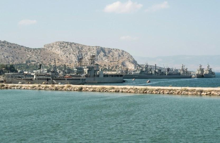 Vista de un puerto de la isla griega de Salamina, situada cerca de Atenas, el 11 de julio de 2012 AFP/Archivos / Andreas Solaro