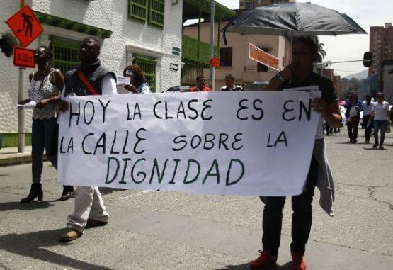 Opinión Algo de neoliberalismo en el magisterio - 06d6a-marcha-docente-en-medellin