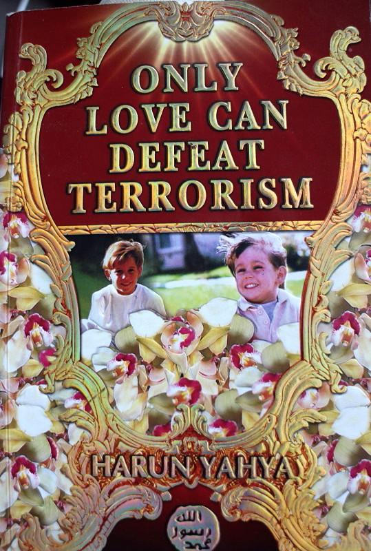 """Disney-islam. """"Sólo El Amor Puede Vencer El Terrorismo"""" - IMG_6867-1"""