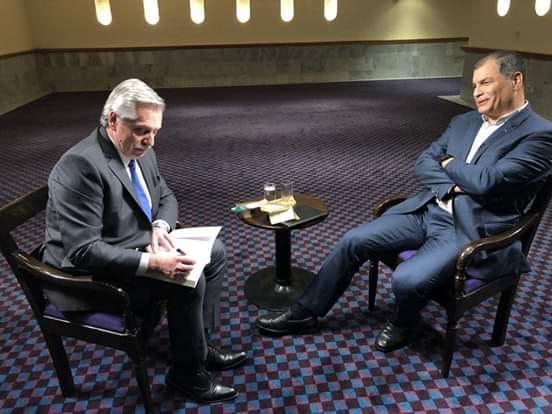 El expresidente de Ecuador Rafael Correa se reunió con Alberto Fernández en México