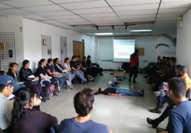 Voluntarios Mirándinos se adiestran en técnicas de RCP.