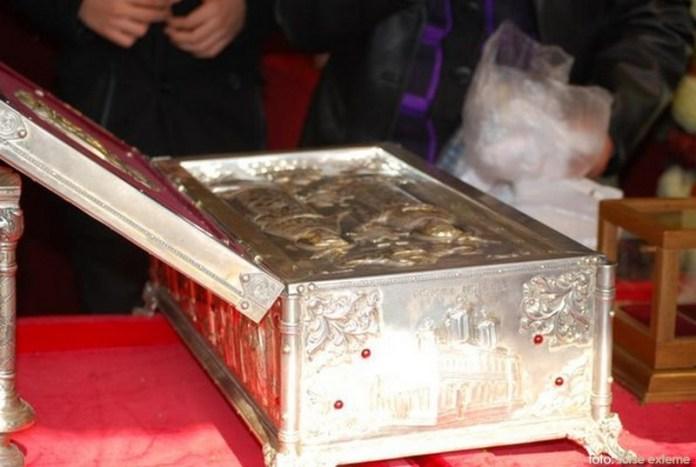 Moastele-Sfintilor-Imparati-Constantin-si-Elena
