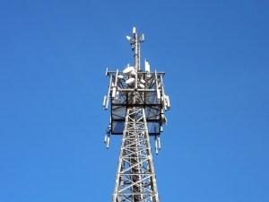 Grâce à son antenne, cette radio offrira l'Internet à haut débit à sa région