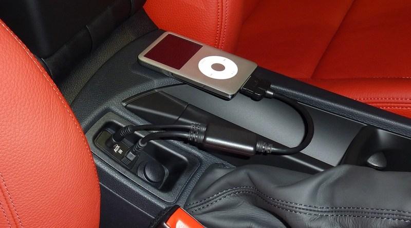 Ipod branché dans l'auto