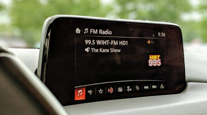 Radio FM dans la planche de bord d'une voiture