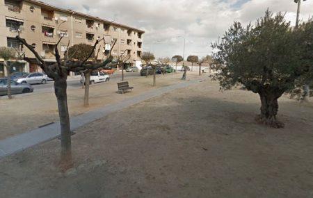 plaça del Ressorgiment situada entre Crta de Vic, C/Joan XXIII i C/Albéniz, al nucli del municipi