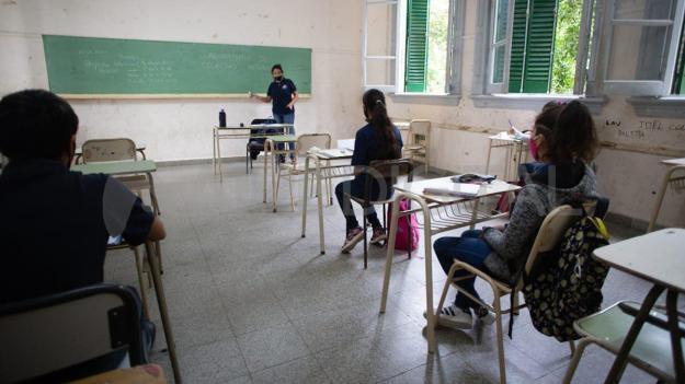 """Clases presenciales: Educación sostiene que solo se aísla el 1,5% de las burbujas pero Amsafe pide """"datos oficiales y públicos"""""""