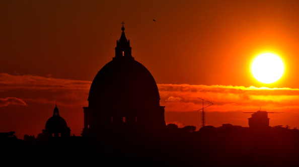 VATICAN-POPE-BASILICA-SUNSET