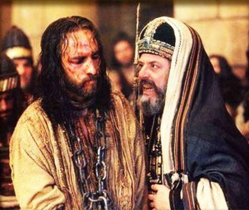 L'iniquo processo a Gesù. Caifa, peggiore di Satana, si privò della dignità di Grande Sacerdote
