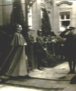 Pio XII - successore di Pio XI - fu un esponente di primissimo livello della diplomazia vaticana.