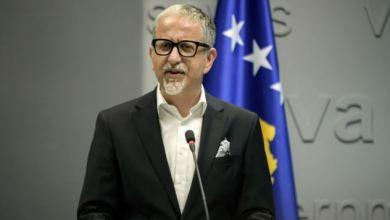 Photo of Arben Vitia sot jep dorëheqje nga Ministria e Shëndetësisë