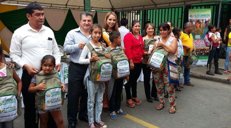 Al iniciar el año lectivo 2017-2018, cerca de 500 niños y niñas de escasos recursos económicos de varias comunidades de la provincia de Sucumbíos, recibieron kits escolares y mochilas