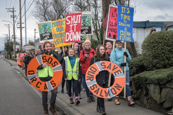 Tacoma youths march to protest the LNG plant.