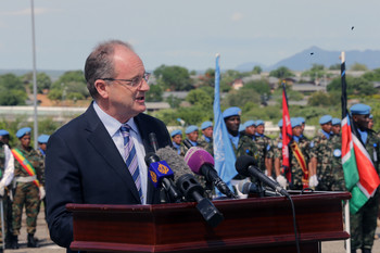 File photo: David Shearer delivers remarks during International Peacekeepers Day celebrations in Juba on May 29, 2017. (UNMISS)