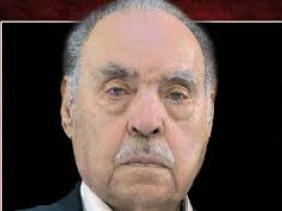صورة الرئيس تبون يعزي عائلة الفقيد المجاهد عمر بوداود