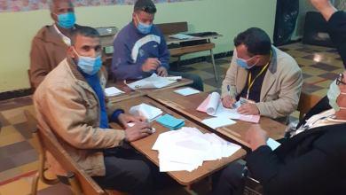صورة عملية فرز الأصوات ببلدية سيد الحسني دائرة مغيلة