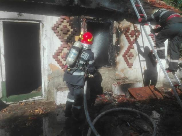 incendiu cladire dezafectata 6