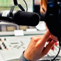 Правильно написать и прочитать новости на радио