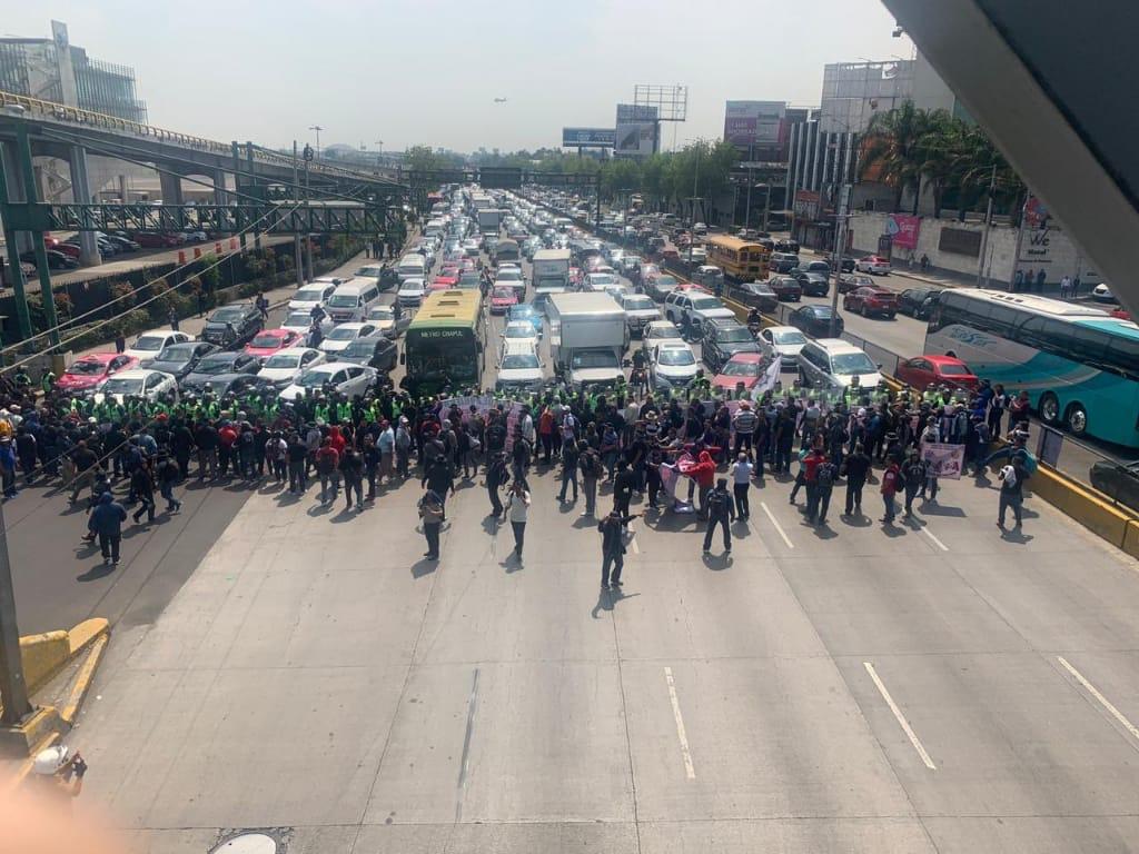 POLICÍAS FEDERALES AFECTAN INMEDIACIONES DEL AICM