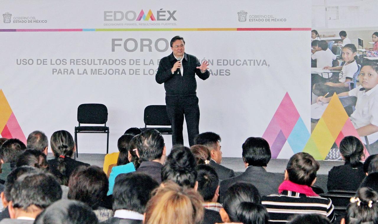 PARTICIPAN DOCENTES EN EL FORO EDUCATIVO SOBRE MEJORA DE LOS APRENDIZAJES