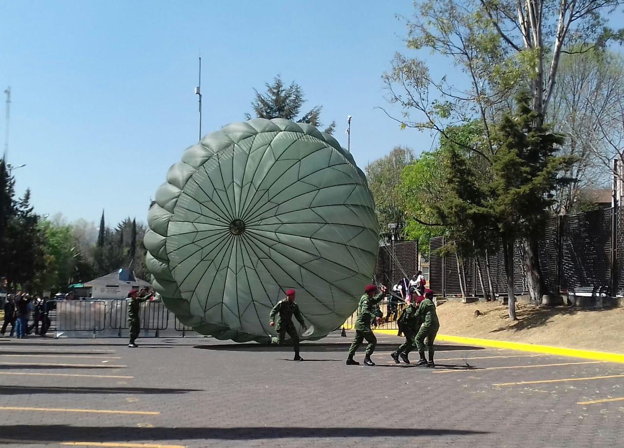 """VISITA LA EXPOSICIÓN MILITAR """"LA GRAN FUERZA DE MÉXICO"""" EN NAUCALPAN"""