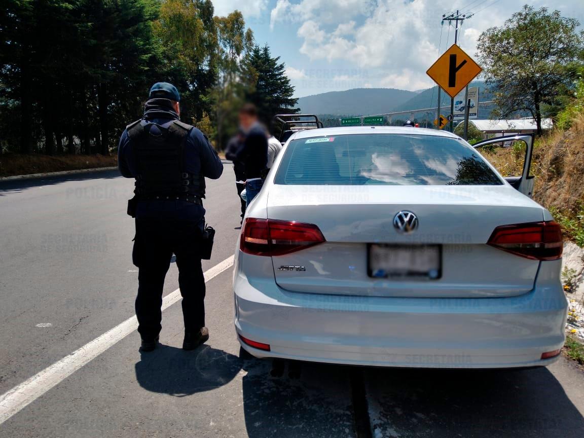 LOCALIZAN AUTO QUE PROBABLEMENTE FUE UTILIZADO EN EL ROBO A TIENDA COMERCIAL DE METEPEC