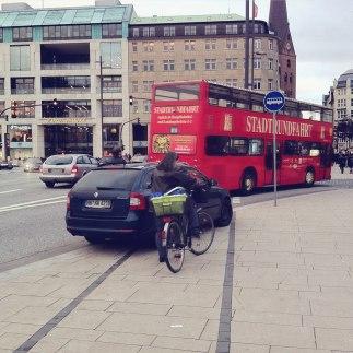 hamburg-jungfernstieg-radspur-bikelane_radpropaganda
