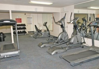 Bryn Mawr fully equipped fitness center at Radwyn Apartments