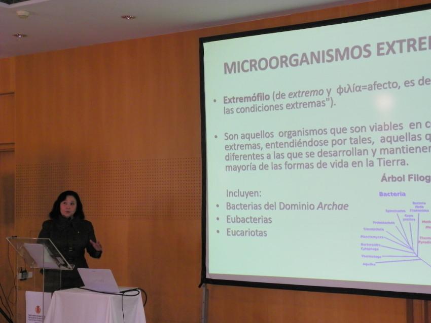 Conferencia de Maria Àngels Calvo en Vichy Catalán