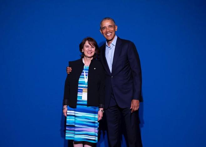 Dra. Rosalía Arteaga y Barack Obama