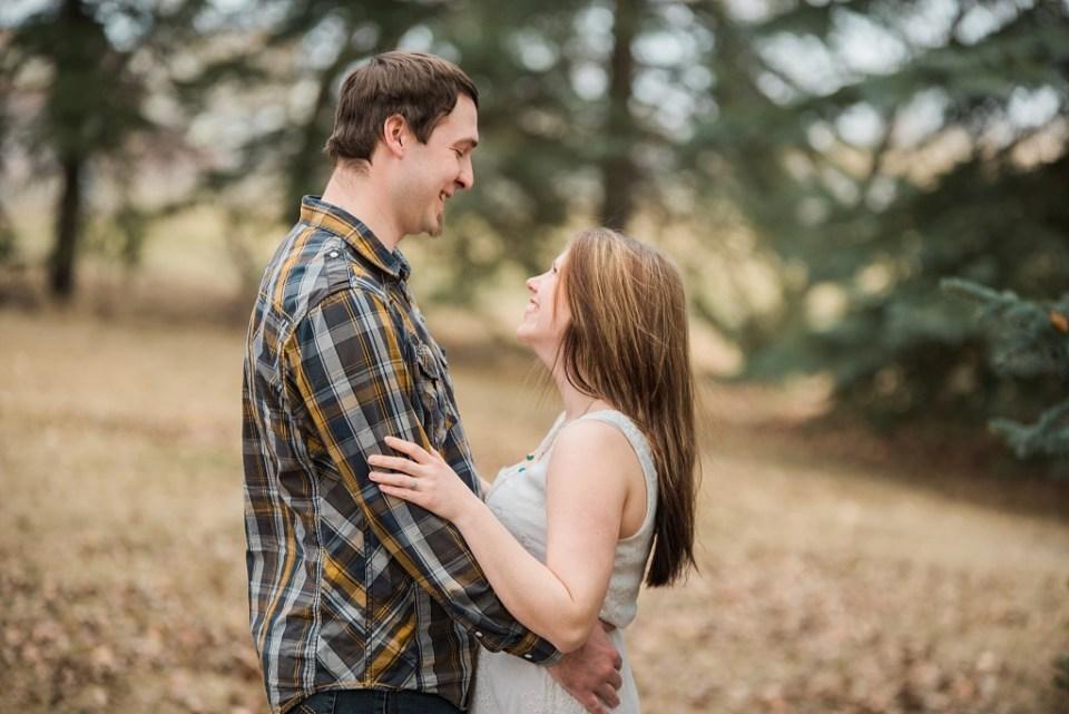 Stettler Rotary Park Engagement - Raelene Schulmeister Photography