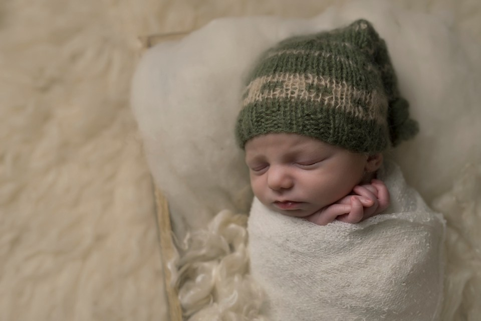 Newborn Baby Boy Photos   Stettler Photographers  _0112.jpg