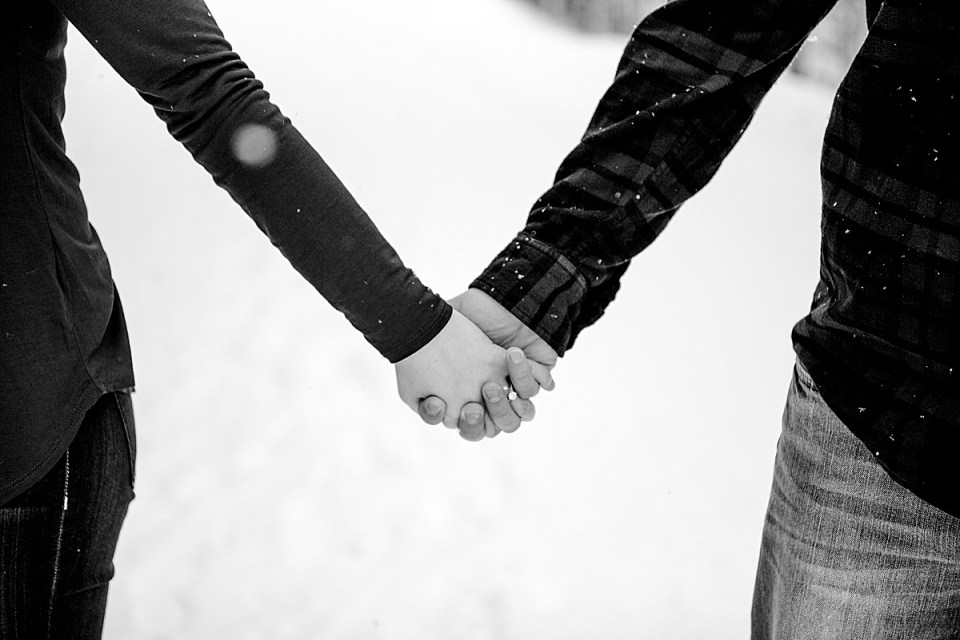 A Snowy Engagement Session | Stettler Photographers | Red Deer Wedding Photographers Winter Engagement