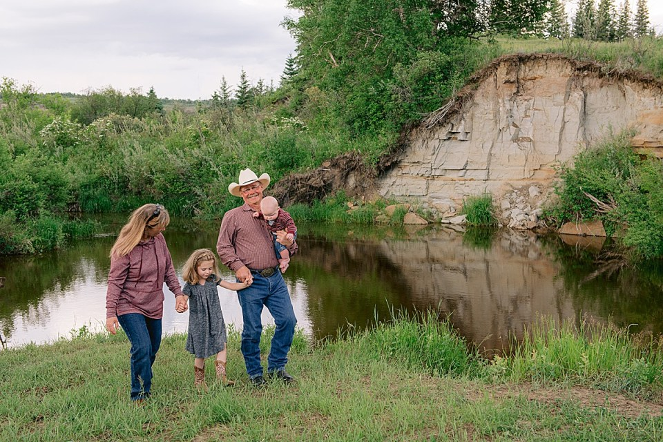 Denim, gray and burgundy family photos in Halkirk, AB | Stettler Family Photographer | The Friemark Family