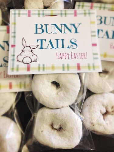 Bunny Tails // Easter Treat Idea // Party Favors // Free Printable // Rae of Sparkles