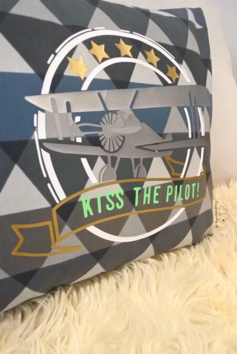 Kommplott - Flugzeug - Kiss the Pilot // Raeuberwolke.ch