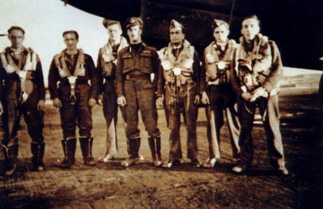 Palmer Crew - (L-R) unknown, unknown, Harris, Palmer, Datta, unknown, King