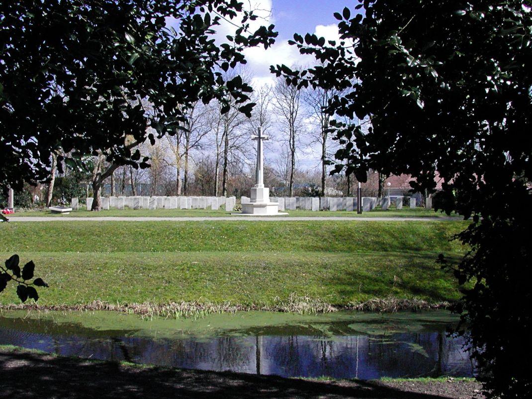 texelcemetery pond