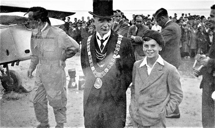 Ernest Clarke as boy at air show 2