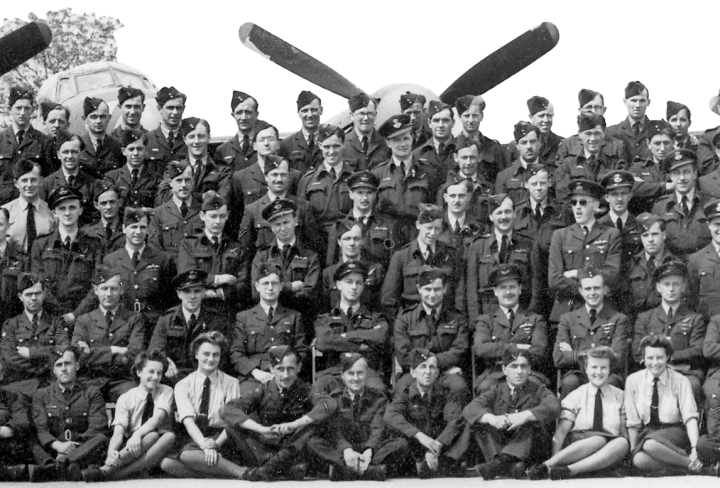 109 Squadron cropped