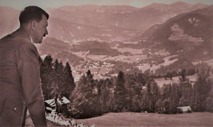 hitler at berchtesgaden 2