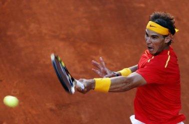 Rafael Nadal beats Sergiy Stakhovsky 60 60 64 Davis Cup (7)