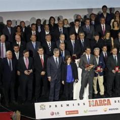 Rafael Nadal Gets Best Spanish Athlete Award Marca 2013 (3)